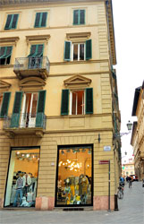 Lucca apartment Vittorio - Lucca vacation rental - Piazza Napoleone - View on Summer Festival