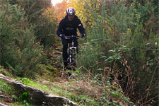 Lucca mountain bike tours: real mountain bike tour riding on dirt roads and single tracks in Lucca countryside